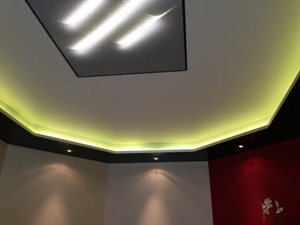 Ausstellungsraum CILING Spanndecke: Lichtdecke