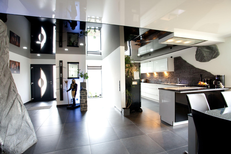 Dieter Spanndecken Eingangsbereich und Küche
