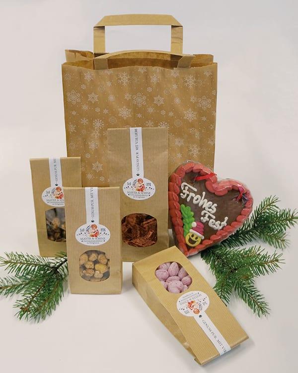 Köstliche Leckereien vom Weihnachtsmarkt in der Geschenktasche