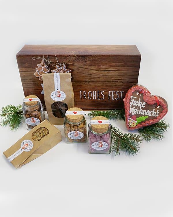 Einmal Weihnachtsmarkt - das volle Programm.  Im Geschenkkarton mit dekorativen Korkgläschen.