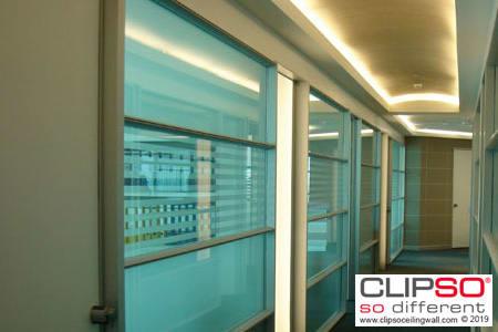 CLIPS Unternehmen Glaswand