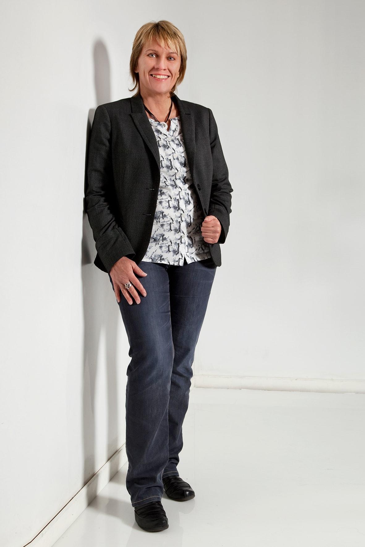 Frau Gabriele Stein