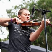 Clases de bluegrass con Chad Manning