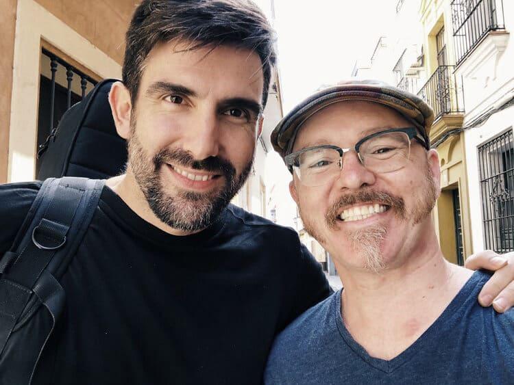 Casey Driessen con Javi García