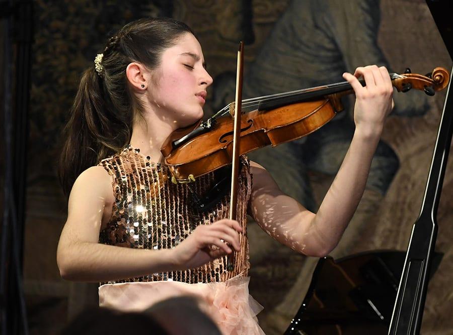 María Dueñas almohadilla