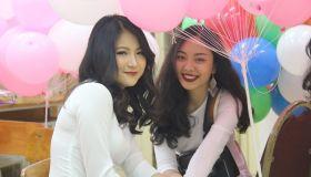 https://cdn.vietnammoi.vn/2019/5/22/nu-sinh-truong-tran-phu-khoc-nghen-ngay-chia-tay-mai-truong-15585159368582080230774.JPG