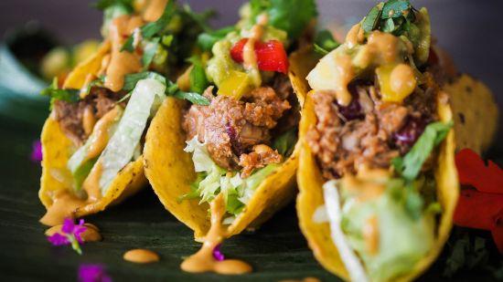 Vegan BBQ Jackfruit 'Pulled Pork' Tacos