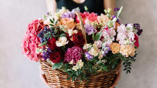 DIY Flower Baskets + Arrangements