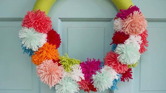How to Make a DIY Pom Pom Wreath