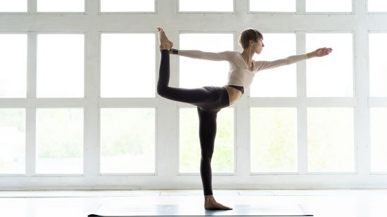 How to Safely Get into Dancer's Pose