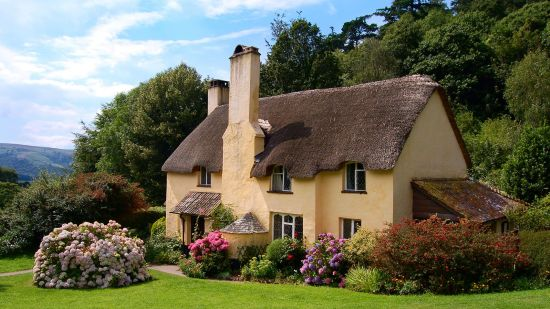 Admire These Cute English Cottages