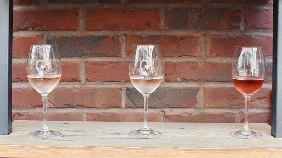 Cru Food & Wine Bar: Wine Oasis