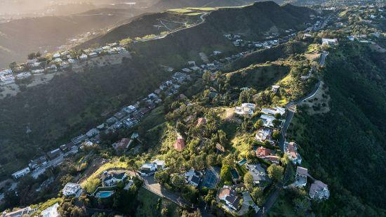 Take a Virtual Tour of Celebrity Homes