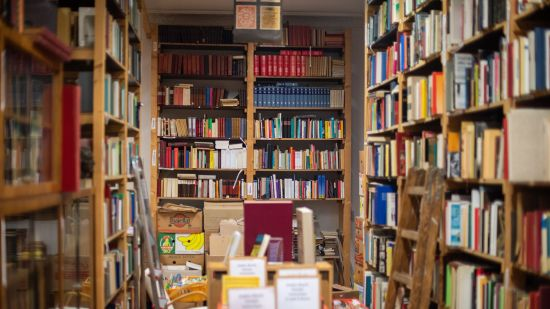 How to Support Local Bookstores Online