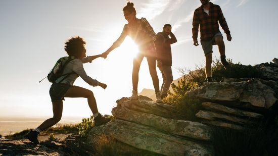 7 Hiking Essentials