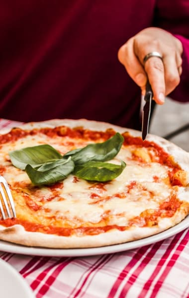 Must Eat Foods In Naples And Where To Eat Them