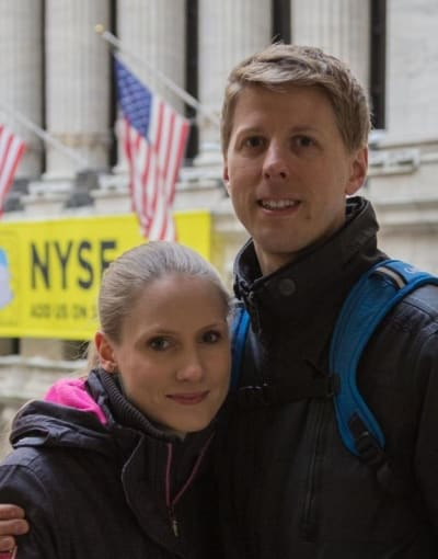 Tourists exploring the best of New York City on a private tour with a local guide