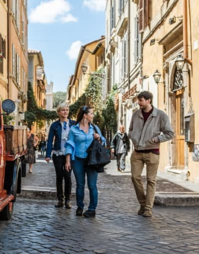 Walking tours in Italy