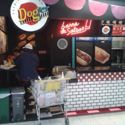 Dogger Cafam Floresta en Bogotá