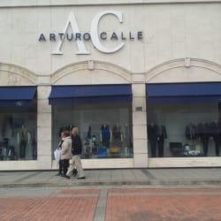 Arturo Calle Calle 122 en Bogotá