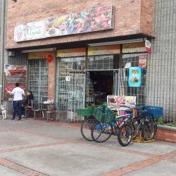Autoservicio & Panadería Morande en Bogotá