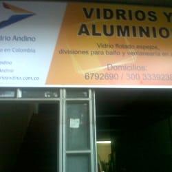 Vidrios y Aluminios Vidrio Andino en Bogotá
