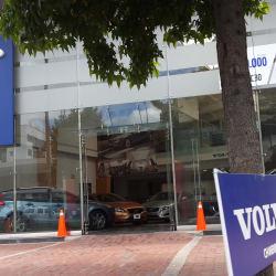 Los Coches Avenida el Dorado en Bogotá
