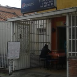 Restaurante D'like Express y Algo Mas en Bogotá