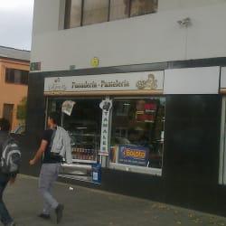 Cigarrería y Panadería La Gran Pili  en Bogotá