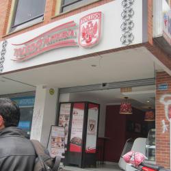 Pastelería Toledo Carrera 12 con Calle 71 en Bogotá