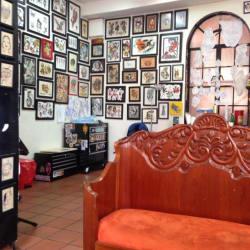 Lucky's Tattoo Parlour en Bogotá