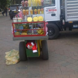 Carrito de fruta Carrera 6 Calle 14 en Bogotá