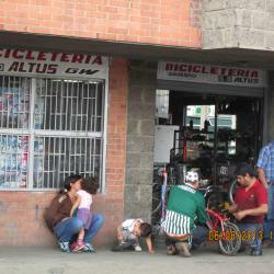 Bicicletería Shimano Altus Gw en Bogotá