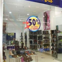 Tiendas Teva - Centro Comercial Hayuelos en Bogotá