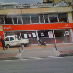 Claro Carrera 14 con Calle 14-32 en Bogotá