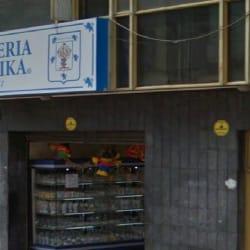 Pastelería Guernika Carrera 19 con 15 en Bogotá