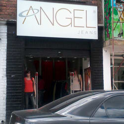 Angel Jeans Carrera 22 con 8 en Bogotá