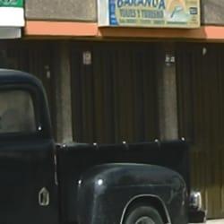 Envía Calle 8 con 40 en Bogotá