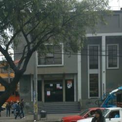 Une Ciac Sur Avenida Primera de Mayo en Bogotá