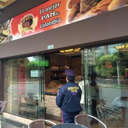 Fondant Cakes Héroes en Bogotá