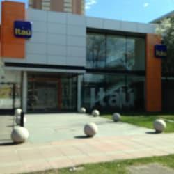 Banco Itaú- Nueva Costanera en Santiago