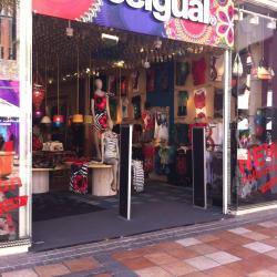 Desigual - Mall Parque Arauco en Santiago