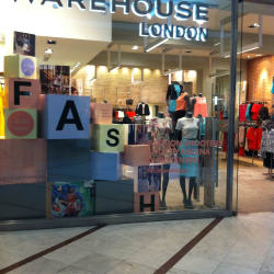Warehouse London Mall Parque Arauco en Santiago
