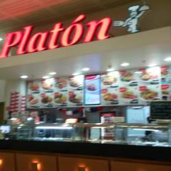Platón - Costanera Center en Santiago