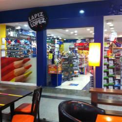 Lápiz López - Mall Alto Las Condes en Santiago