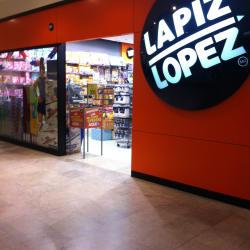 Lápiz Lopez - Mall Parque Arauco en Santiago