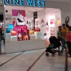 Nine West - Mall Parque Arauco  en Santiago