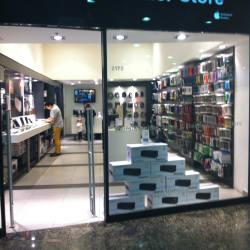 Reifschneider Store - Mall Alto Las Condes en Santiago