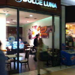 Dulce Luna Costanera Center en Santiago