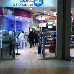 Farmacia Salcobrand - Mall Costanera Center en Santiago